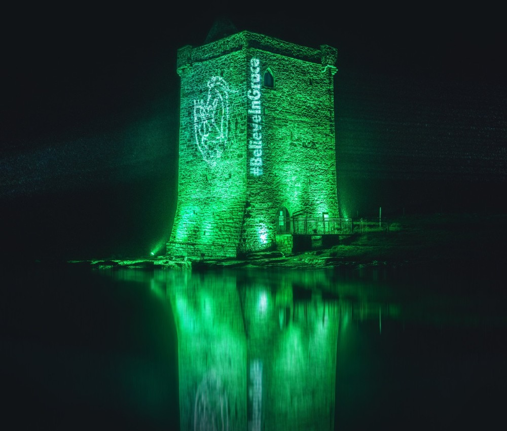 grace-omalley-spirits-keep-her-lit-at-rockfleet-castle-clew-bay-co.-mayo-for-believeingrace-to-mark-the-arrival-of-samhain